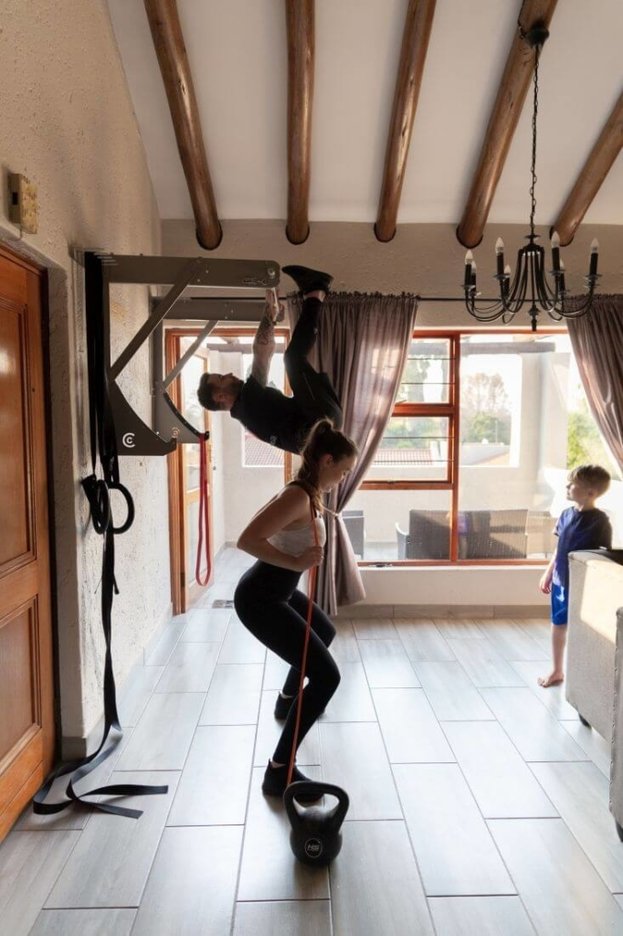 Kipping-Bar-Workout-2